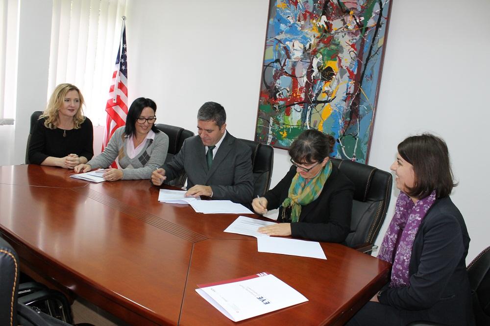 U nënshkrua marrëveshje bashkëpunimi në mes të UHZ dhe përfaqësueseve të projektit EYE