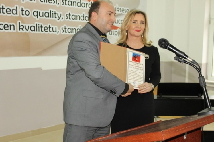 "Prorektorja Drita Begolli u nderua me titullin ""Misionare e Kulturës Kombëtare"""