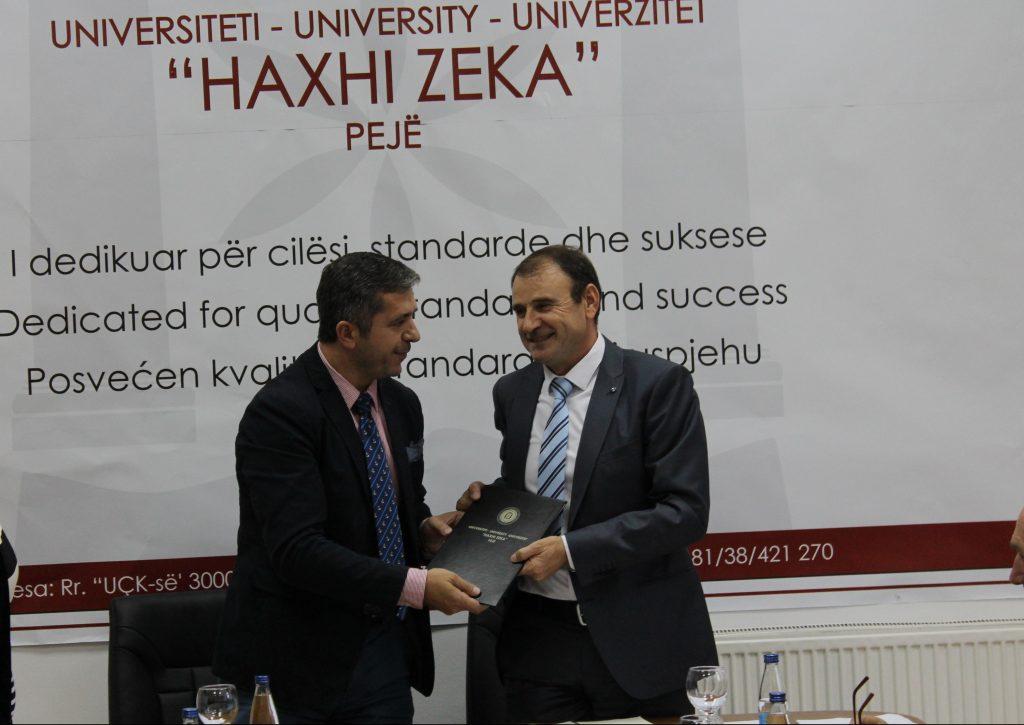 Rektori Mrasori dorëzoi detyrën zyrtarisht