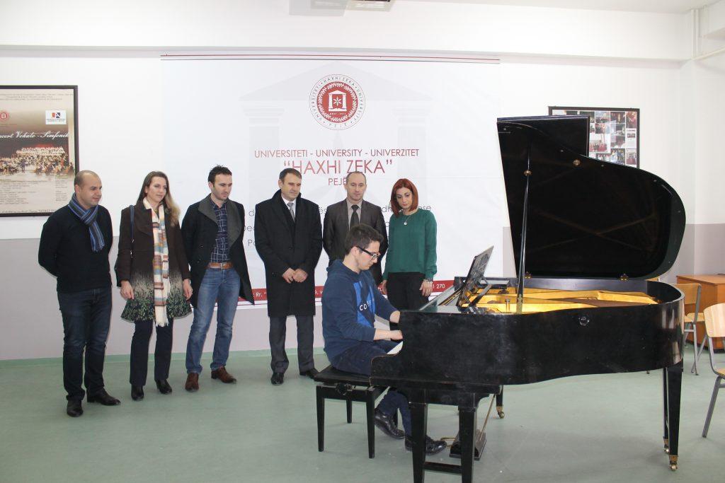 """Menaxhmenti i Universitetit pranojë sot donacionin nga Fondacioni zviceran """"Pirolo"""""""