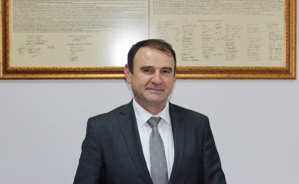 """Zgjedhet Rektori i Universitetit """"Haxhi Zeka"""" në Pejë"""