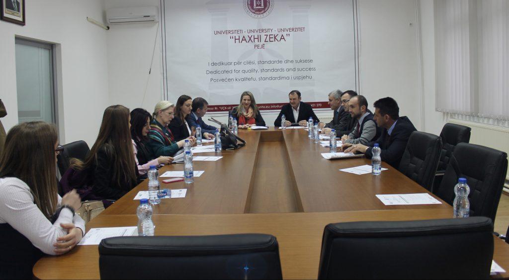 """Lansohet Strategjia e Sigurimit të Cilësisë në Universitetin """"Haxhi Zeka"""" në Pejë"""
