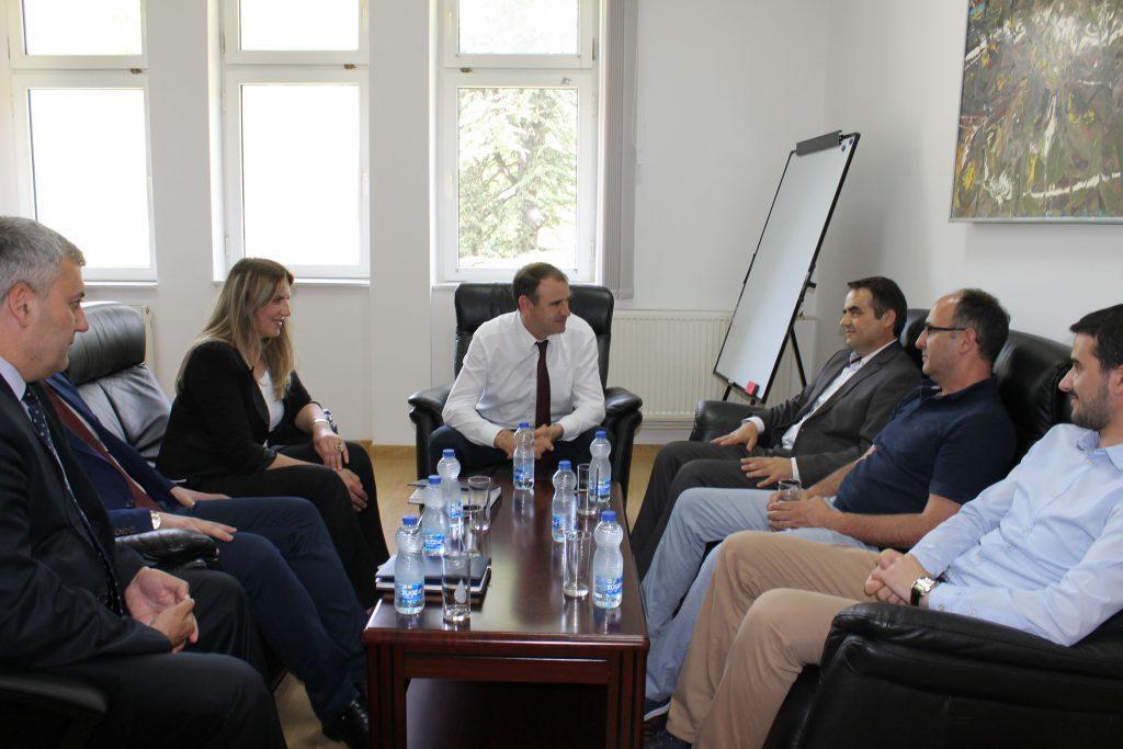 Rektori Millaku u takua me homologun e tij nga Universiteti i Mitrovicës
