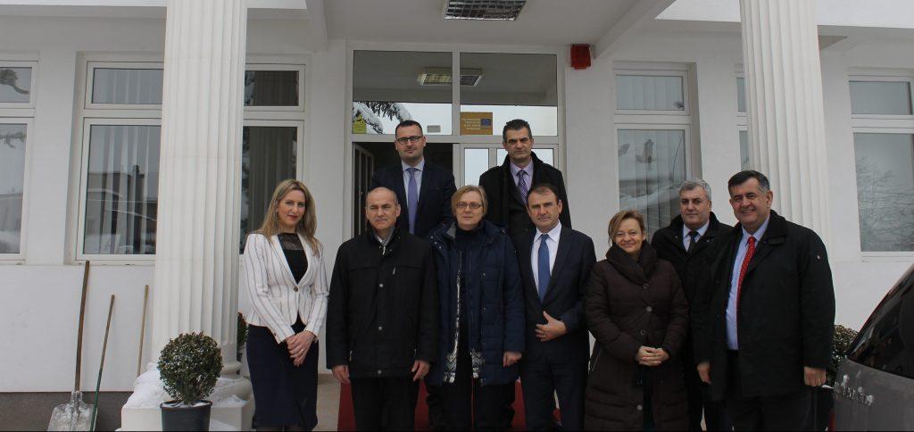 UHZ nënshkruan marrëveshje bashkëpunimi me Universitetin e Sarajevës