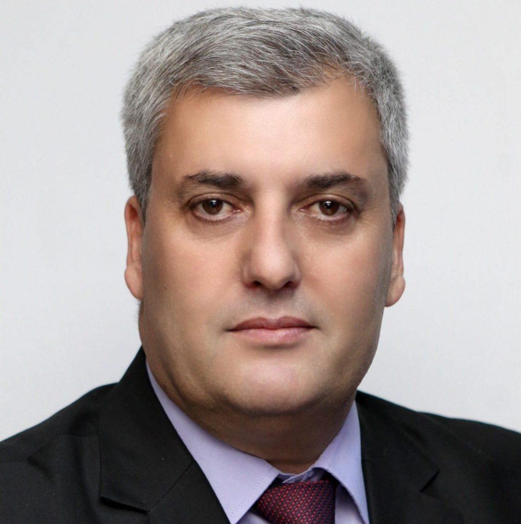 Prof. Asoc. Dr. Ibish Mazreku