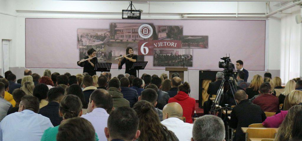"""Universiteti """"Haxhi Zeka"""" në Pejë festoi gjashte vjetorin e themelimit te tij."""