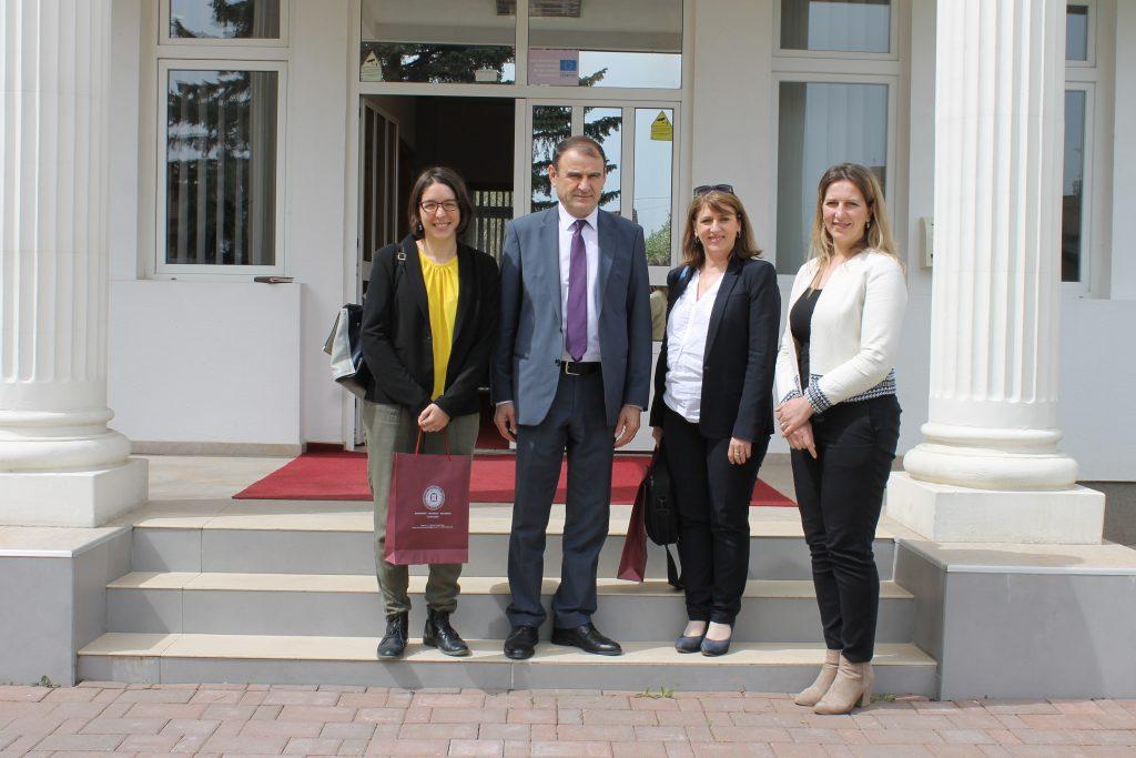 """Përfaqësueset e Ambasadës së Francës në Kosovë vizituan Universitetin """"Haxhi Zeka"""""""