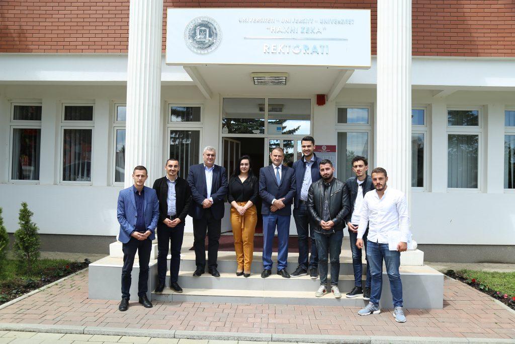 Përfaqësuesit e Unionit të Studentëve të Kosovës u pritën nga UHZ