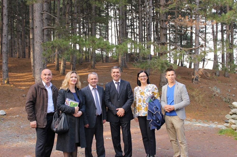 Rektori së bashku me prorektorët vizitojë sot Kryetarin e Komunës së Junikut