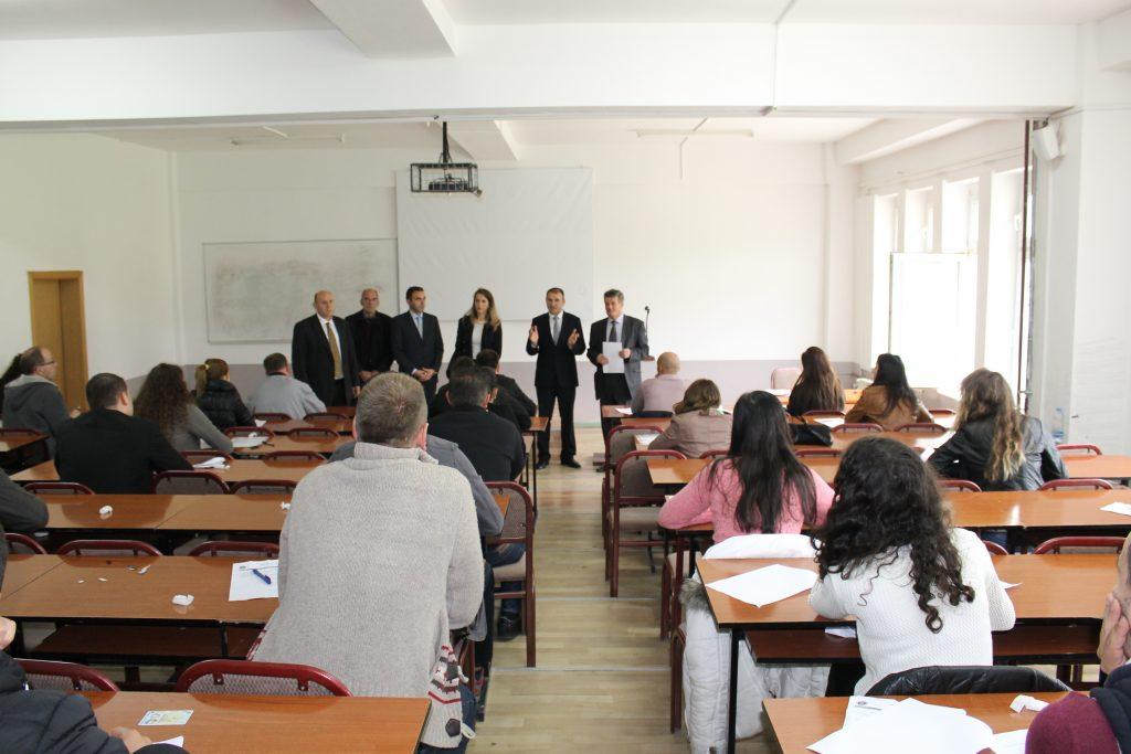 U.d Rektori vizitoj njësit akademike gjatë provimit pranues në studimet master