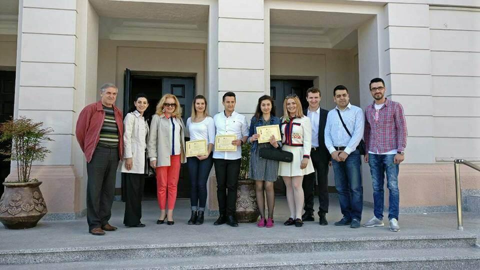 Studentët e Fakultetit të Arteve shpërblehen me çmime në Garat Ndërkombëtare në Shkodër.