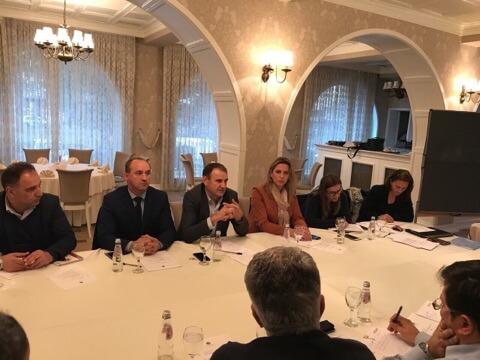 """Sot u mbajt takimi nga Universiteti Haxhi Zeka dhe trupave këshillëdhënëse mbështetur nga projekti """"EYE"""" dhe SDC"""