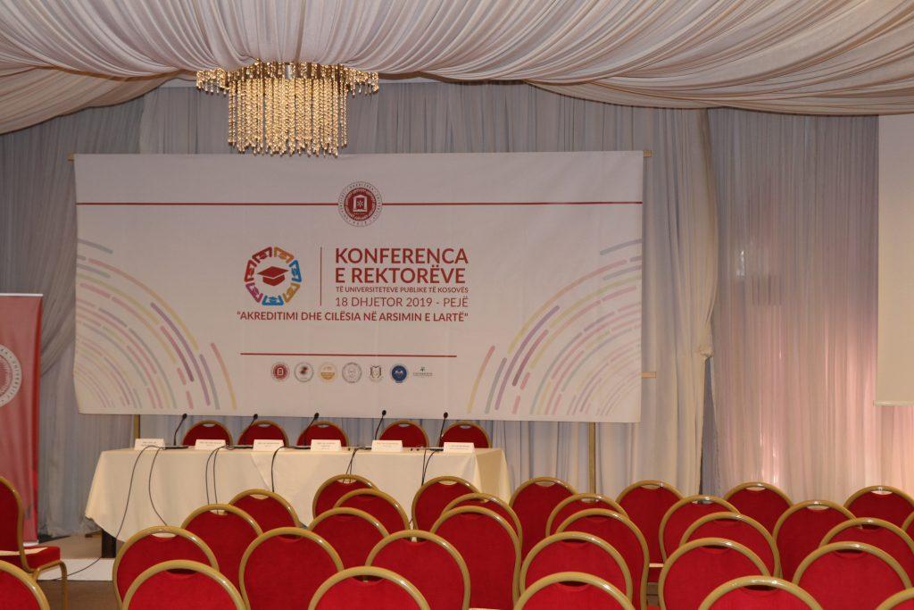 """UHZ, nikoqir i Konferencës së Parë të Rektorëve me temën """"Akreditimi dhe  Cilësia në Arsimin e Lartë"""""""