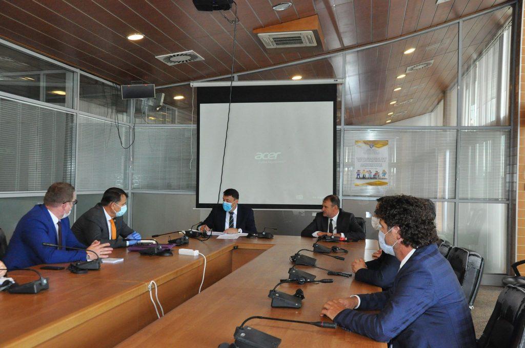 Takimi i rektorëve të universiteteve publike me ministrin e MASHTI-t