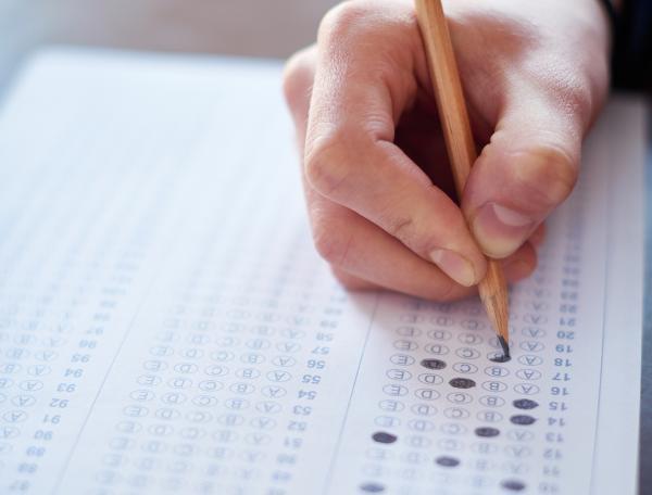 Pezullohen provimet e afatit të shtatorit