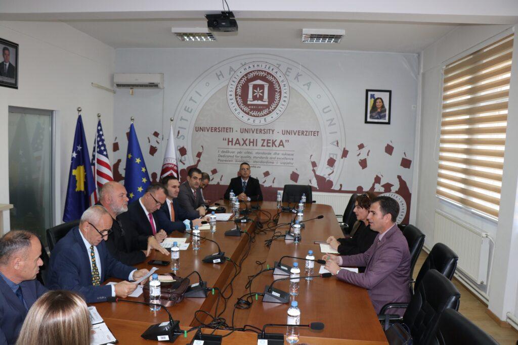 """KShC dhe AKA – vizitë zyrtare në Universitetin """"Haxhi Zeka"""", Pejë"""